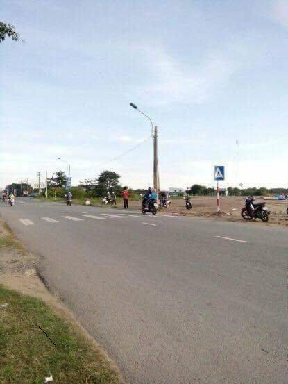Bán gấp đất mặt tiền Nguyễn Thị Sóc Hóc Môn 690tr 80m2 shr.