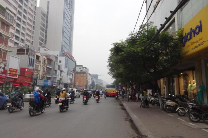 cc bán nhà mặt phố sô 95 Hồ Tùng Mậu,DT 90m2,MT 7m,nở hậu