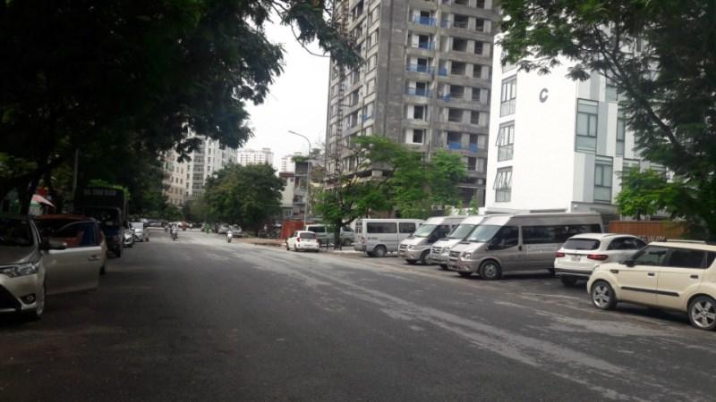 Bán gấp đất đấu giá mặt phố Trần Đăng Ninh, Cầu giấy DT 340m2, đường trước rông hơn 30m