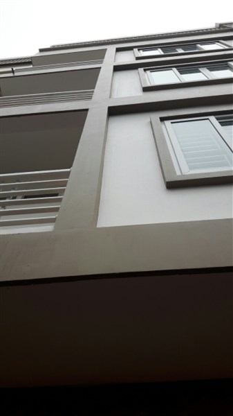 Bán nhà 5 tầng ngõ 397 Phạm Văn Đồng, DT 35m2, hướng chính Đông, cách ô tô 10m, giá 2.35 tỷ.