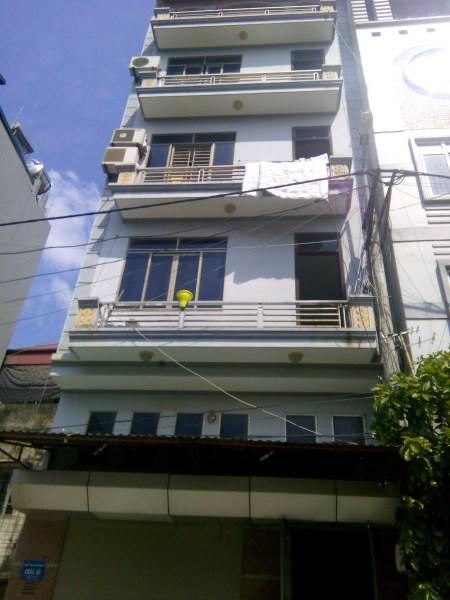 Bán nhà mặt ngõ Nguyễn Khang. 38m2 x 4T. Ngõ 3m. Cách phố 50m. Giá 3,5 tỷ