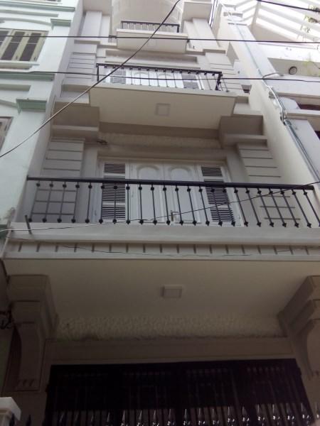 Bán nhà mặt phố Đỗ Quang. DT 53m2 x 6 tầng. MT 4m. KD rất tốt. Giá 19,5 tỷ