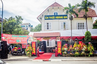 Sang Nhượng Nhà Hàng Biệt Thự Tại Khu Vực Yên Hòa, Cầu Giấy, Hà Nội