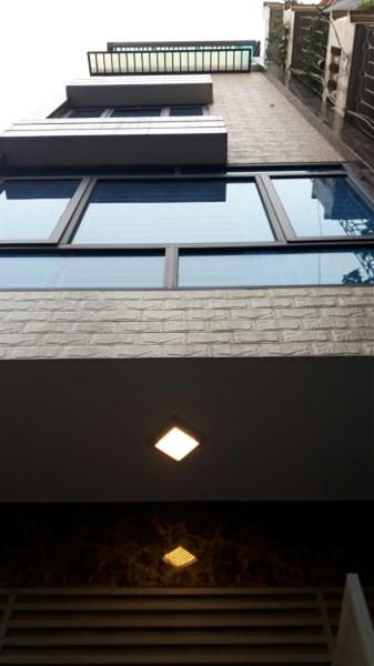 Bán nhà ngõ 397 Phạm Văn Đổng, DT 30 m2, 5 tầng xây mới, ô tô đỗ cổng, giá 2.25 tỷ