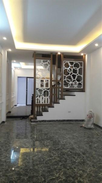 Bán nhà Nguyễn Chí Thanh,Láng Hạ 9,8 tỷ 45m Oto vào nhà