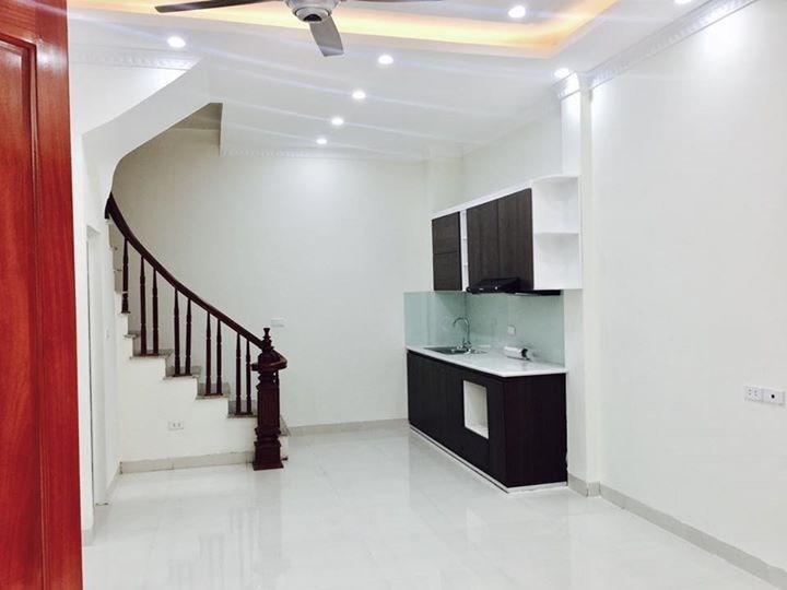 Bán nhà riêng nội thất đẹp DT 40m2 x 5T, MT 5m rất gần đường ô tô phố Xã Đàn. LH: Minh 0966007989.