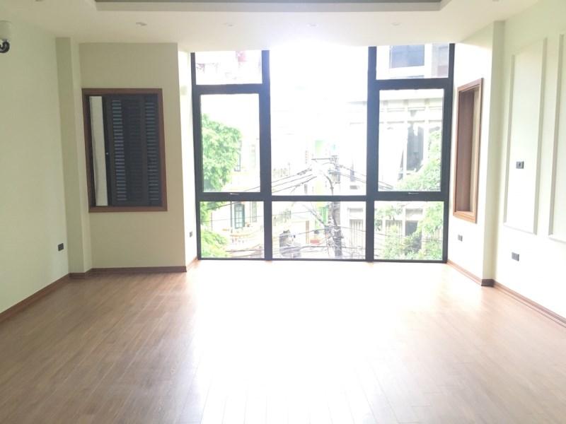 Bán nhà 156 Hồng Mai ô tô đỗ cổng, Bạch Mai, Hai Bà Trưng, 39m2, 5 tầng. Gía 3.1 tỷ