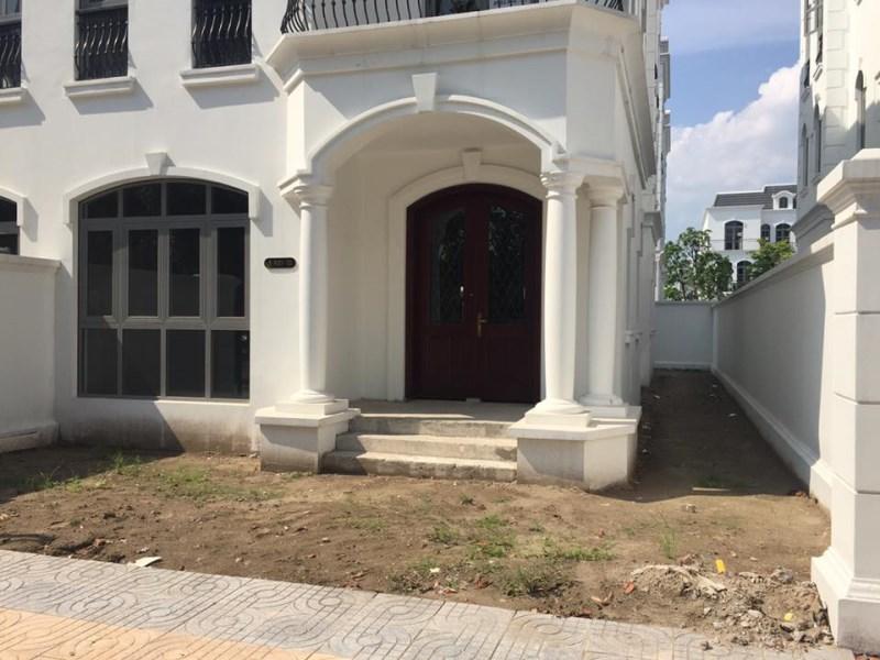 Cho thuê Shop House Vinhome, Long Biên, 100m2, mặt tiền 7m, 3.5 tầng. Giá 60 triệu/ tháng.