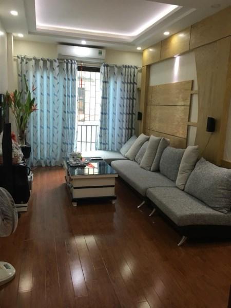 Bán nhà đẹp ở ngõ 44 Hào Nam 36m * 6 tầng, MT 4m, 4.75 tỷ.