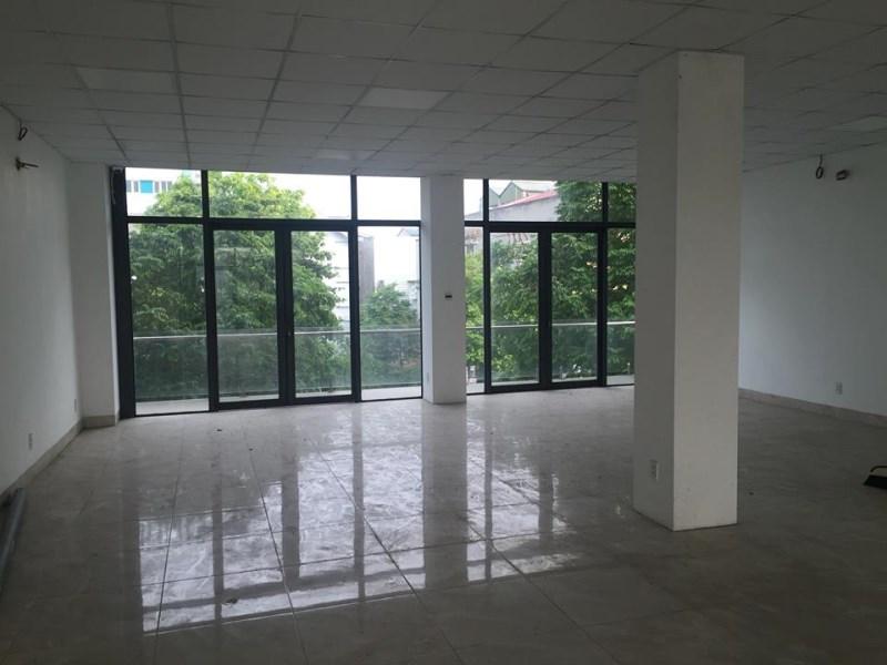 Cho thuê nhà riêng tại Trường Lâm, Đức Giang, 120m2, mặt tiền 6m,  tầng 2. Giá 13 triệu/ tháng.