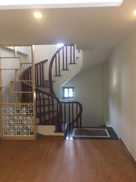 Nhà riêng ngọc hồi thanh trì hà nội 34mx5T giá 1.9 ty.oto đỗ cửa.ngõ 3m.