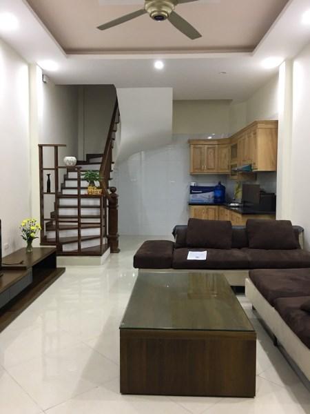 Chính chủ bán nhà mặt Võng Thị , Tây Hồ , dt 40m2x5 tầng giá 4.5 tỷ