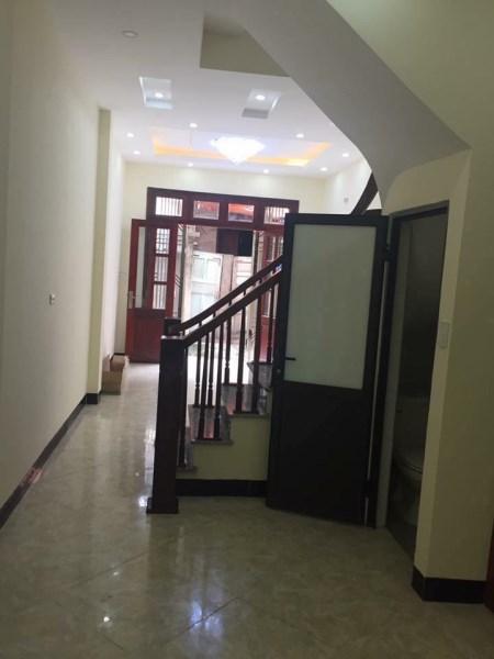Bán nhà Gần ngã tư sở - Thanh xuân dt35mx4T giá 2.7 tỷ. kinh doanh online.lh 0984467395
