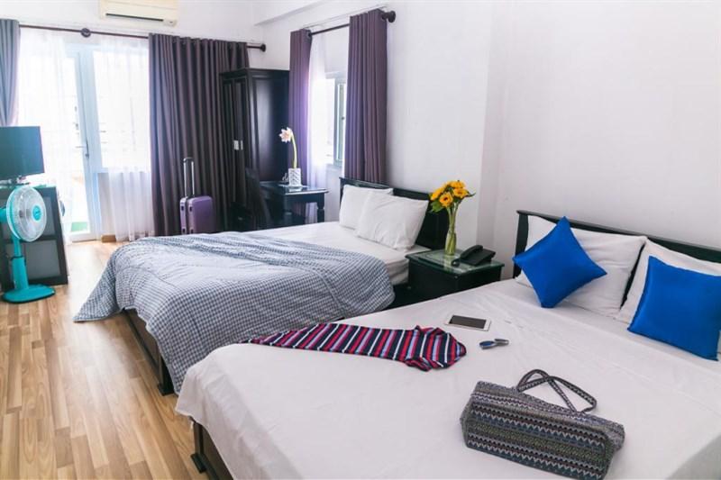 Bán gấp khách sạn mặt phố Lê Đức Thọ, cho thuê 120 triệu/tháng, 100m2 chỉ 30.8 tỷ. LH: 096248052