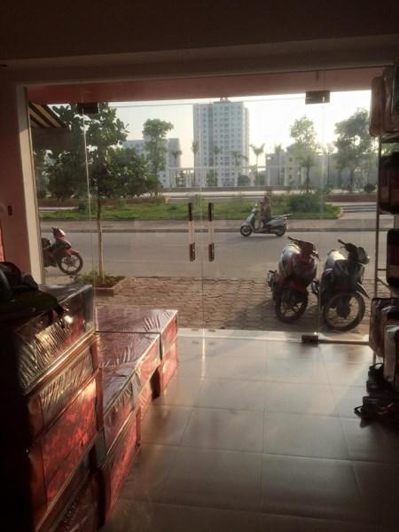 Cho thuê nhà riêng nằm trong khu tái định cư Giang Biên Long Biên. Nhà 4 tầng cực đẹp