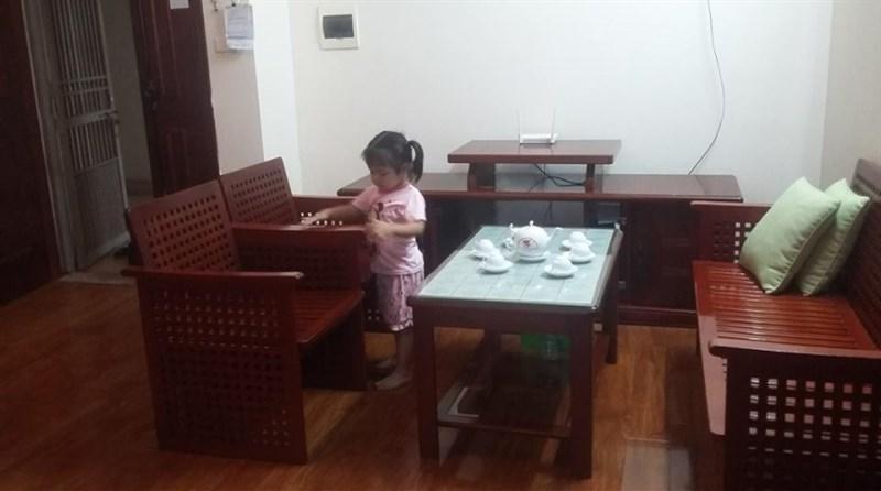 Cần cho thuê CHCC đủ đồ tại KĐT Việt Hưng, Long Biên, 75 m2, 2PN, 1WC. Giá: 6 triệu/ tháng.