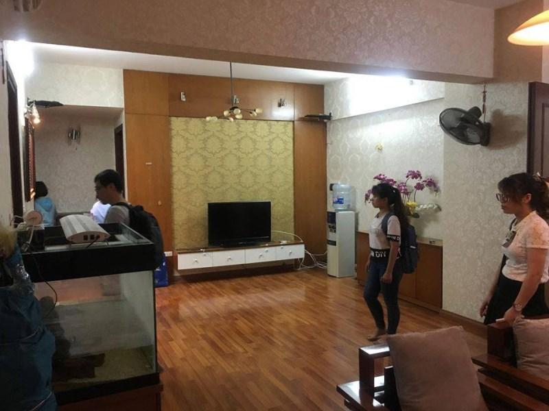Cần cho thuê gấp CHCC  KĐT Việt Hưng, 105m2, 3PN, 2WC, 7triệu/ tháng
