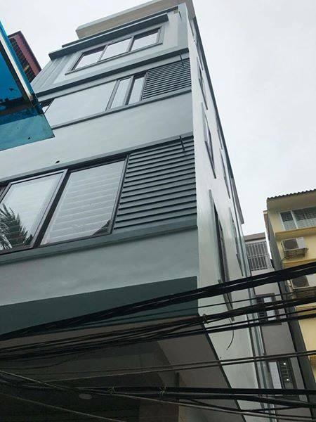 bán gấp căn nhà mặt đường Giải Phóng, 4 tầng, DT xây dựng 37m2