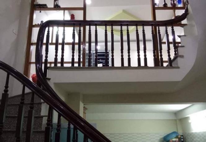 Bán nhà đẹp 47m2 , ngõ ô tô tránh, phố Nguyễn Lân, Trường Chinh.