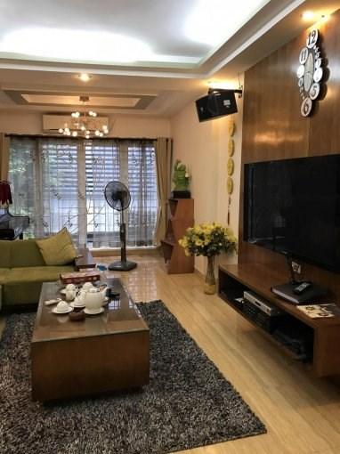 Bán nhà 6 tầng khu Hoàng Cầu – Hào Nam vị trí đẹp giá 4,5 tỷ (mTG)