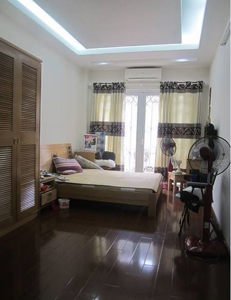 Bán nhà đẹp khu vực Hồ Tùng Mậu 35x5 tầng. Giá 3.4 tỷ.