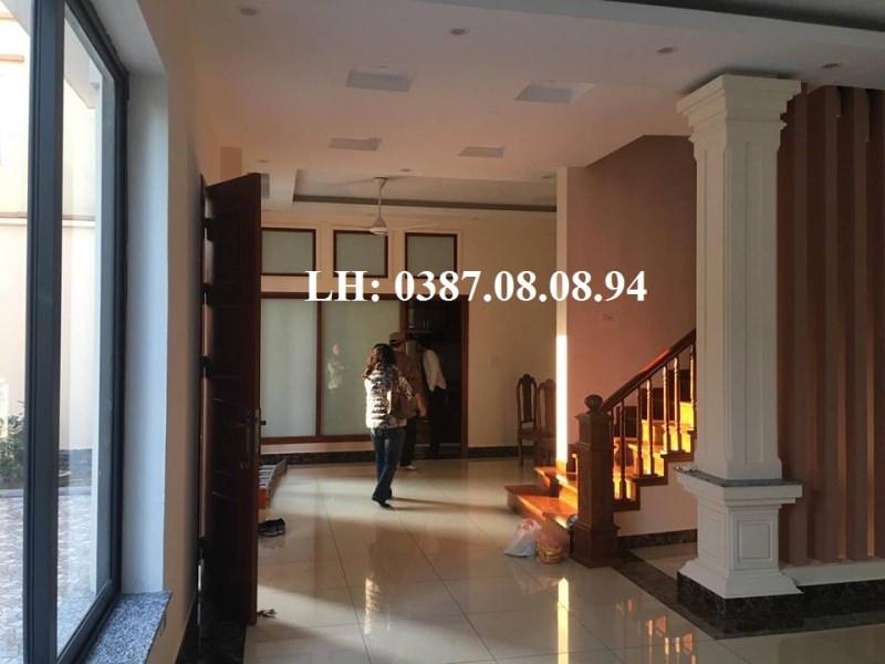 Cho thuê biệt thư 4 * 170m2 MT: 15M có vị trí cực đẹp tại KĐT Việt Hưng