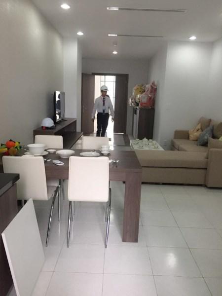 Cần cho thuê gấp căn hộ chung cư @home 987 tam trinh 2 ngủ có đồ giá 6 tr/th LH 0913365083