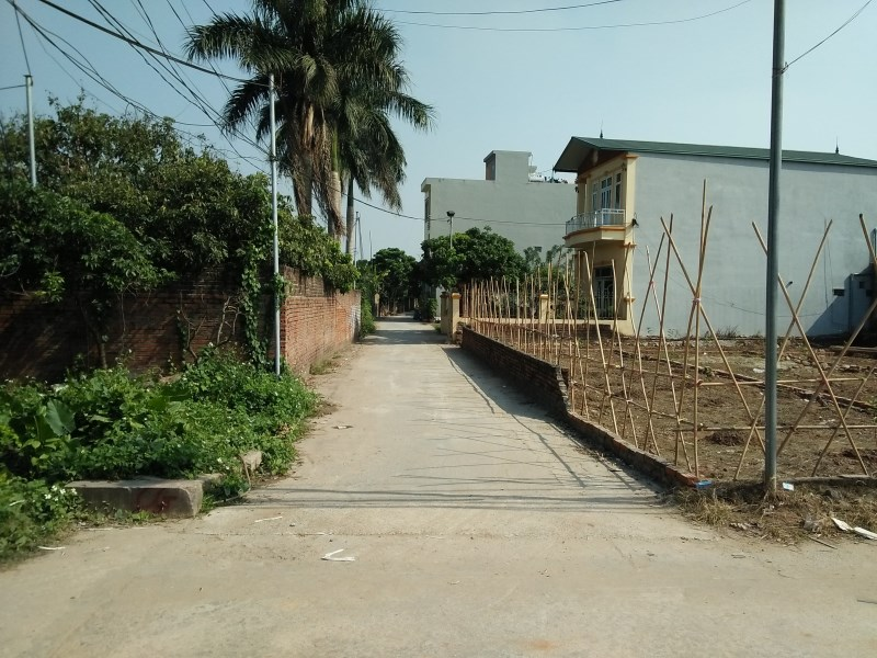 Cần bán 5 lô đất, thổ cư, tại thôn Ba Lương để làm xưởng làm nhà nghỉ, nằm ngay km2,13