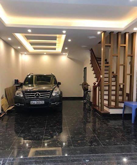 Chính chủ bán gấp vị trí kinh doanh tặng nhà đẹp 5 tầng ngõ 168 phố Kim Giang.