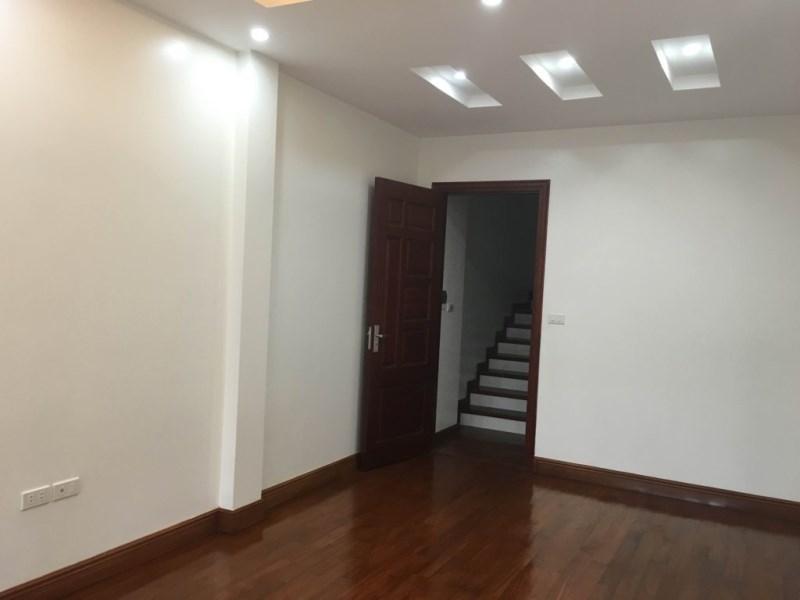 Nhà 5 tầng đẹp thoáng ngõ rộng Nguyễn Khang