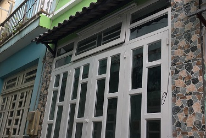 Bán gấp nhà hẻm đường Phạm Văn Bạch, P.15, Q.Tân Bình.DT: 4.2mx8m