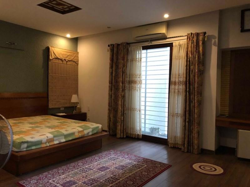 Chính chủ cần bán biệt thự đẹp nhất khu Vườn Đào, Q. Tây Hồ, 192.9m2. LH: 01293200999