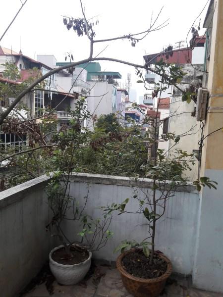 Bán nhà tập thể Mỏ địa chất- ngõ 210 Hoàng Quốc Việt, Cầu Giấy, Hà Nội, ban công ĐN.