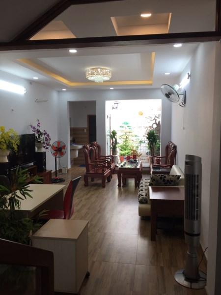 Q353 - Bán nhà mặt tiền Nguyễn Phúc Chu,số 145A vị trí ngay ngã ba p15, Quận Tân Bình. DT: 4mx21m