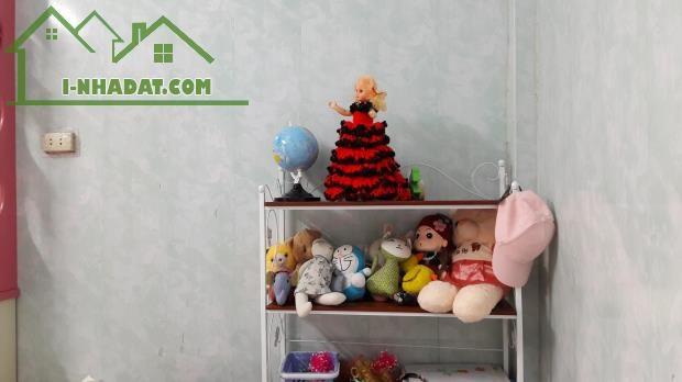Cần bán GẤP nhà SĐCC, tại số 46 ngách 180A/3 Nguyễn Lương Bằng, quận Đống Đa, Hà Nội.