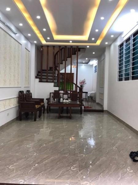 Nhà mới chính chủ Láng Hạ 36m2 ô tô đô gần nhà giá 3.05 tỷ