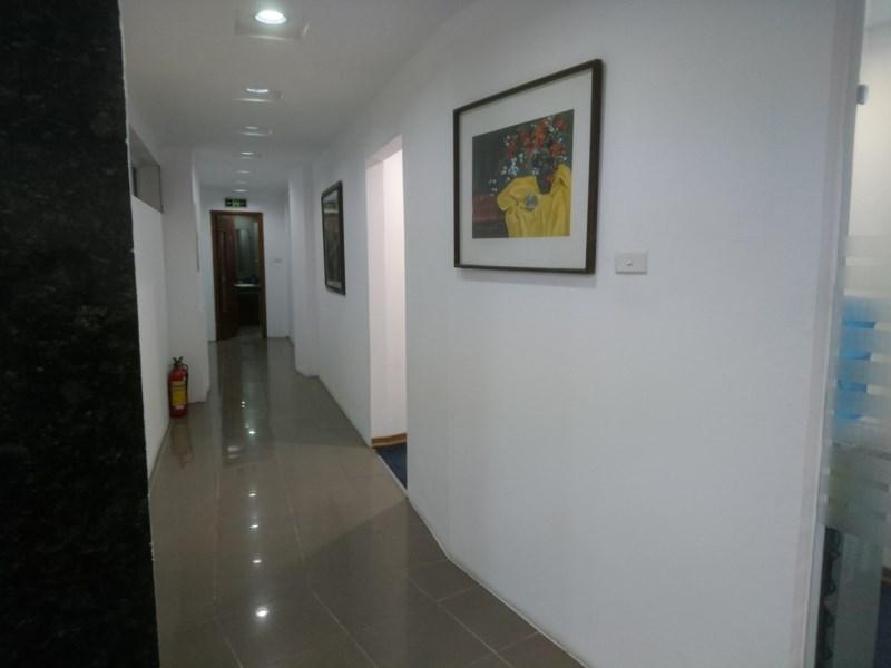 Cho thuê văn phòng mặt phố Đê La Thành - Đống Đa
