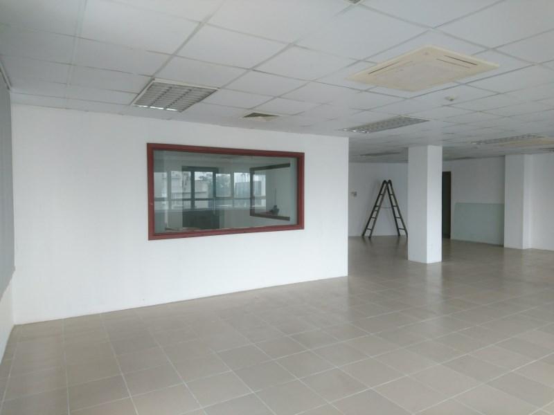 Cho thuê văn phòng trung tâm Đống Đa 120m2.