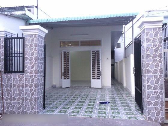Bán Nhà mặt tiền đường Tân Sơn, P.15, Q.Tân Bình. DT: 5.1mx19m.