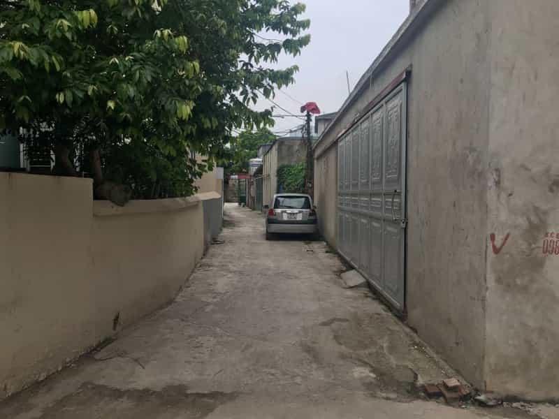 Bán đất thôn Ngọc Động, Đa Tốn, DT 53m, mặt tiền 5m, ô tô đỗ cửa. Giá 21tr/m2