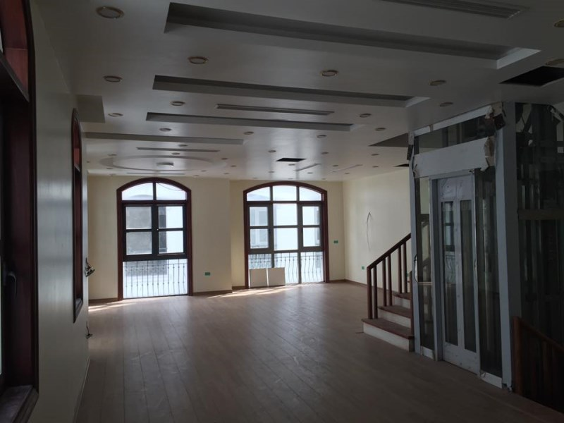 Cho thuê Biệt thự Vincom Long Biên, 100m2 , 3.5 tầng, giá 65tr/tháng.LH: Nga 0966 155 870