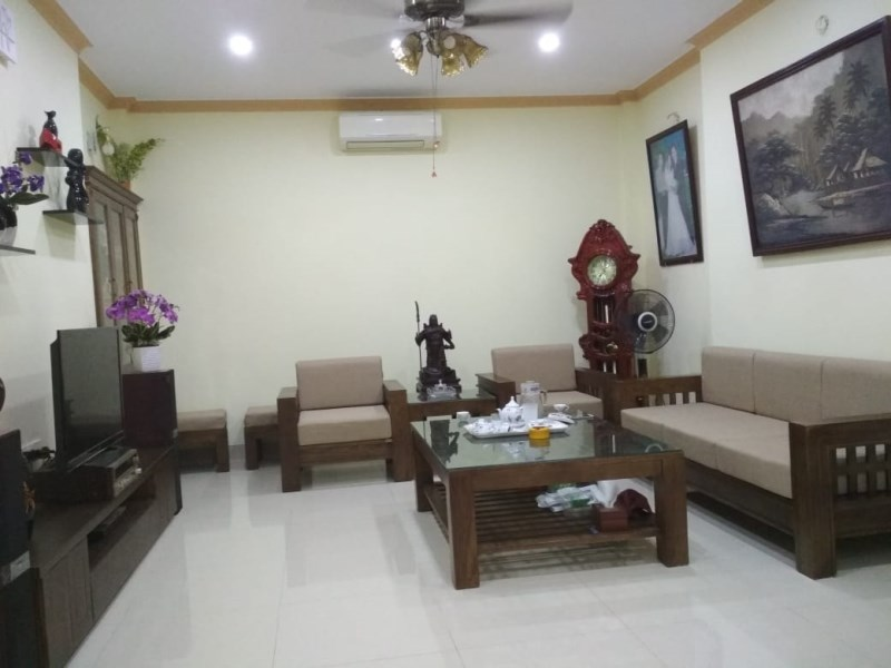 Bán nhà mới 3.5 tầng Ngọc Thụy diện tích 43m giá tốt.LH Ninh 0931705288