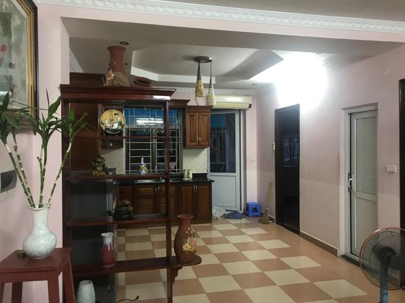 Cho thuê chung cư nhà P khu đô thị Việt Hưng 80m2 giá 5.5tr/th, 2PN. LH 0966155870