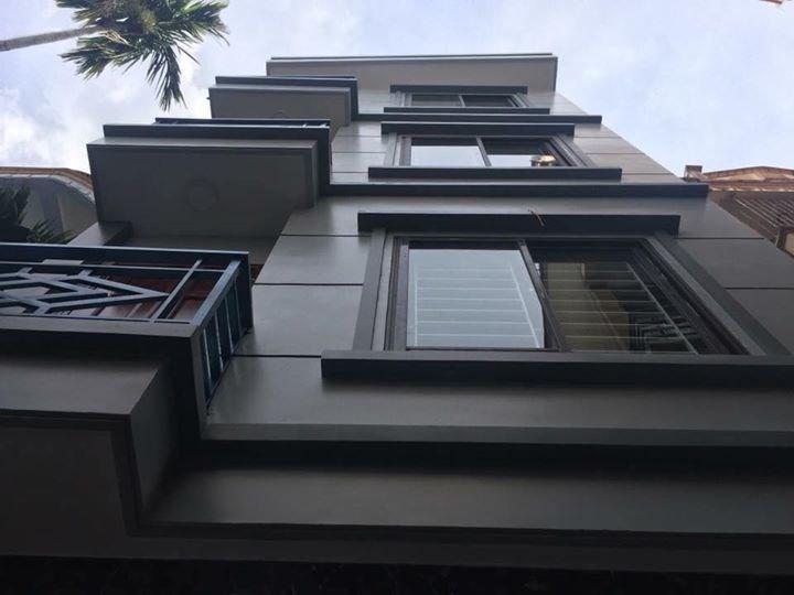 Bán nhà phố Tôn Thất Tùng, DT 33m2, 5 tầng, 2.7 tỷ