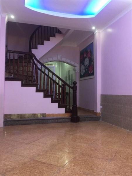 Bán nhà đẹp ngõ Thịnh Quang, Thái Thịnh 45m2 x 5T, giá 4.3 tỷ