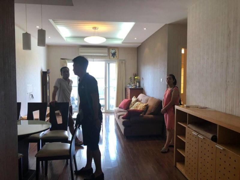 Cho thuê chung cư FULL ĐỒ CT18 KĐT Việt Hưng, Long Biên, chỉ việc mang quần áo vào ở.