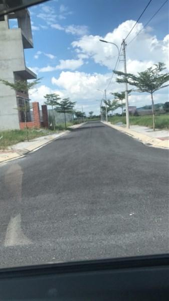 đất mặt tiền đường tỉnh lộ 8,củ chi,DT 100m2,giá 600 triệu,ngân hàng cho vay 50%