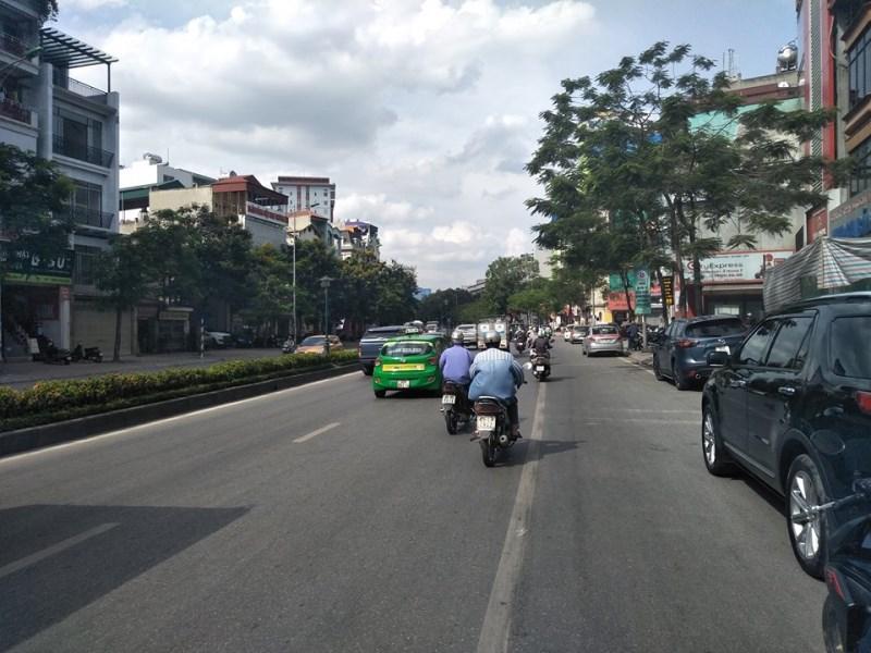 Bán nhà mặt phố Nguyễn Văn Cừ  Long Biên diện tích 130m2x6 tầng, giá 20 tỷ
