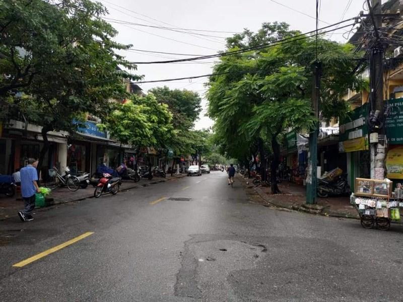 Bán nhà mặt phố Ngọc Thụy 100m2, MT 5m, kinh doanh đỉnh, giá 4.2 tỷ.