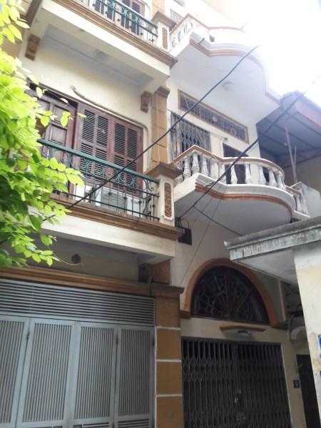 Cho thuê nhà nguyên căn 3 tầng , 7tr/thg, ngõ 596 Hoàng Hoa Thám, Ba Đình
